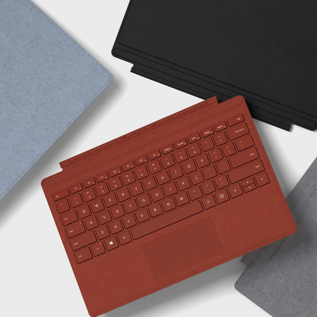 Microsoft Surface Family Accessories Block Landing Page   Tile 01